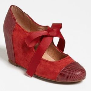 Jeffrey Campbell vintage line red ribbon wedge